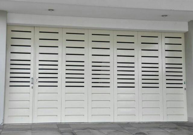 Pintu Lipat Besi Ruko dan Garasi Minimalis